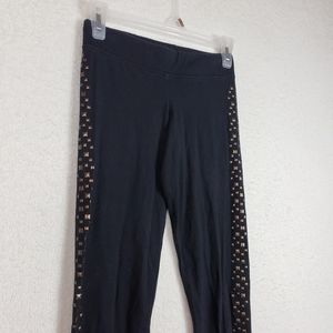 5/$25 Aeropostale leggings with gold studs size sm